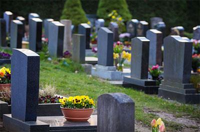 Grabstein und Denkmale